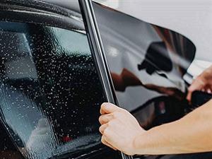 نصب برچسب دودی شیشه ماشین